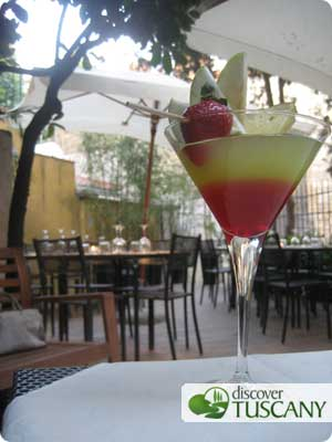 Aperitivo outdoors in Florence
