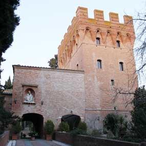 Risultati immagini per asciano abbazia di monte oliveto maggiore