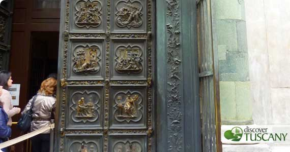 Here are the northern doors ... & Ghibertiu0027s Northern Doors from the Baptistery to Undergo First ...