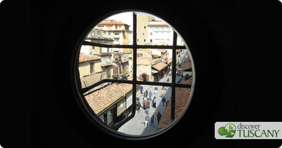 Vista dal Corridoio Vasariano sul Ponte Vecchio