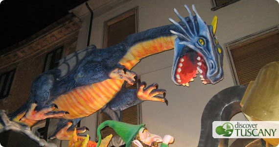dragon float in gallicano