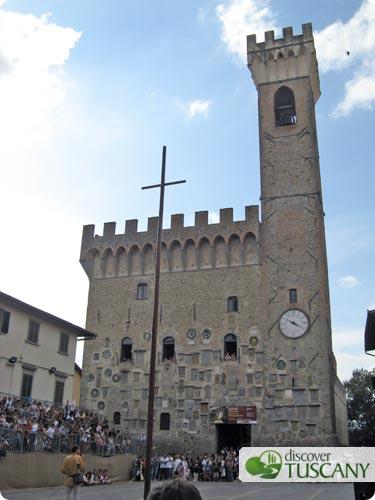 Piazza dei Vicari and the Palazzo dei Vicari in Scarperia