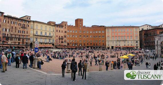 Sienas Campo: the Palio race is run around its perimeter