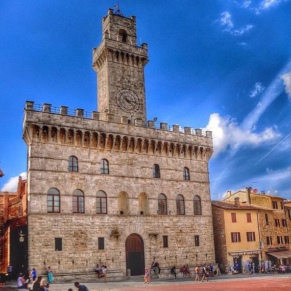 The Palazzo Comunale in Montepulciano - photo credit @nicola86