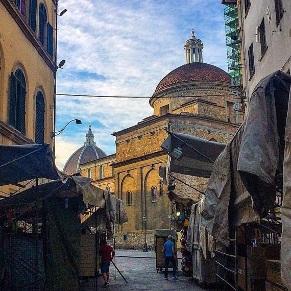 San Lorenzo market - photo credit  @jakubbrejdak