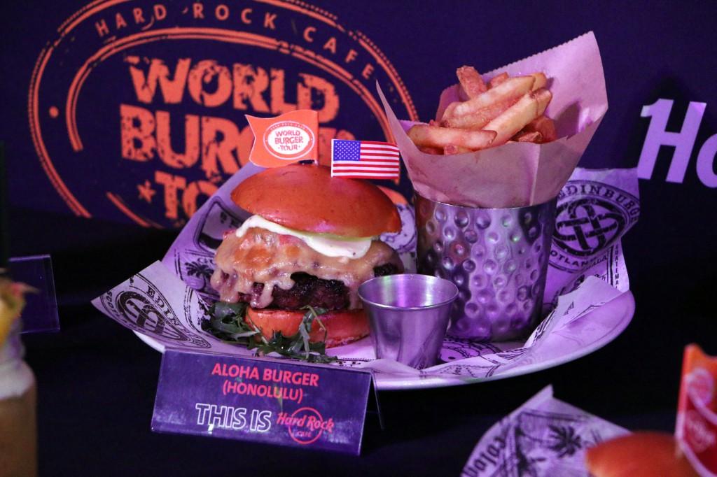 hrc-burger-tour-2016-06