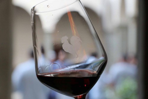red-wine-chianti-glass