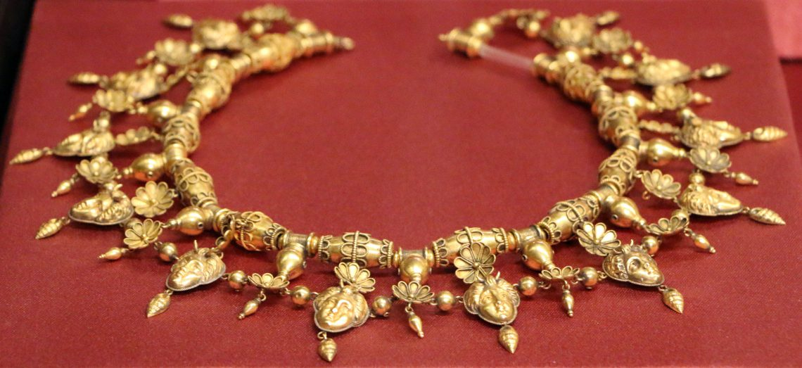A necklace belonging to the Castellani collection: an attempt to steal them was interrupted successfully in 2013.