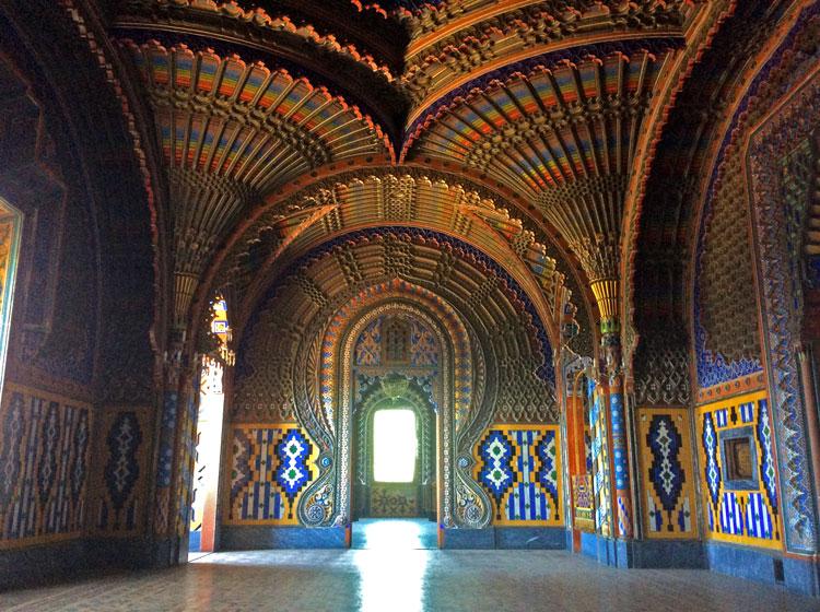 Castello Sammezzano: Colorful interior details